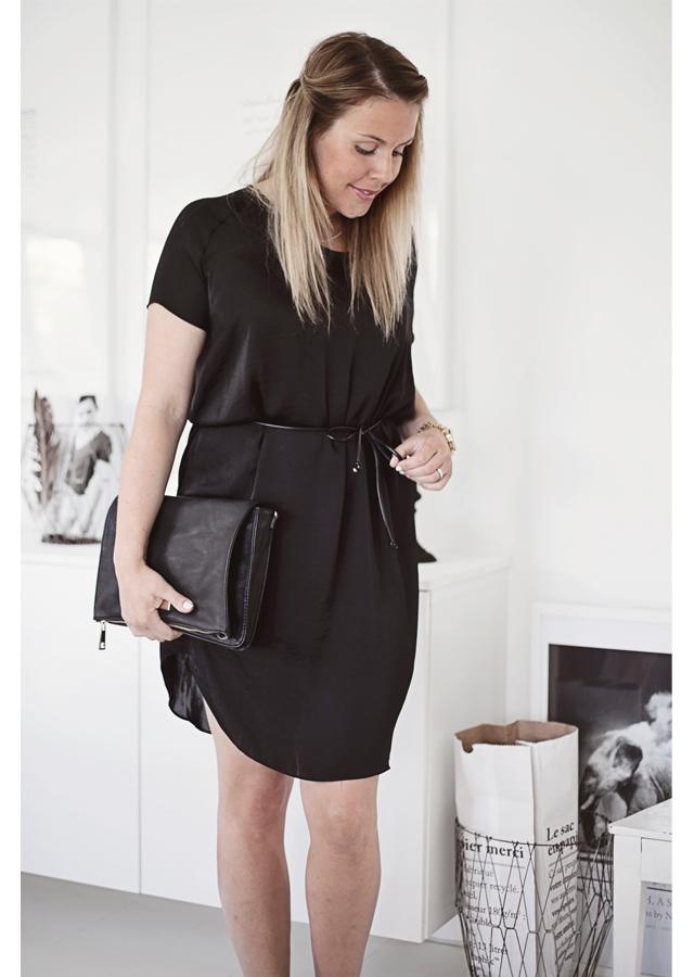 Blackdress1